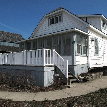 THE WHITE HOUSE Cottage Rental